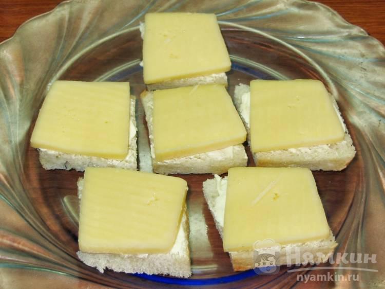 Гренки с сыром в микроволновке - фото шаг 3