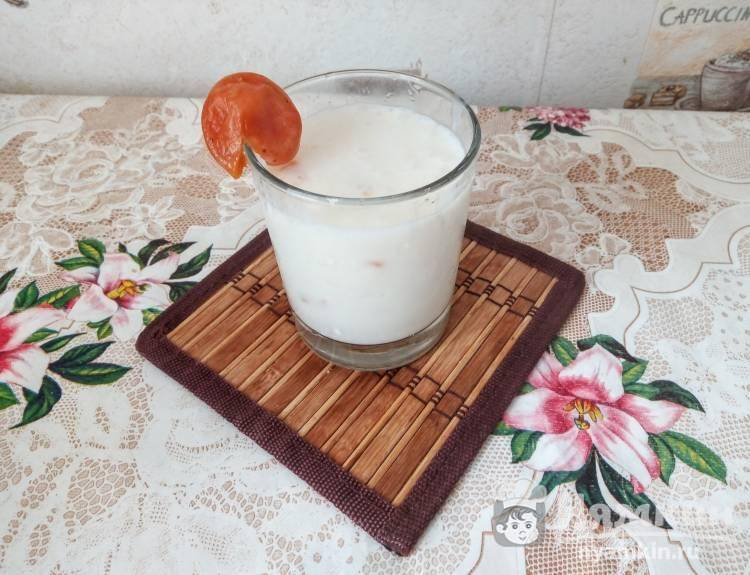 Смузи с кефиром - 7 полезных рецептов для блендера с фото