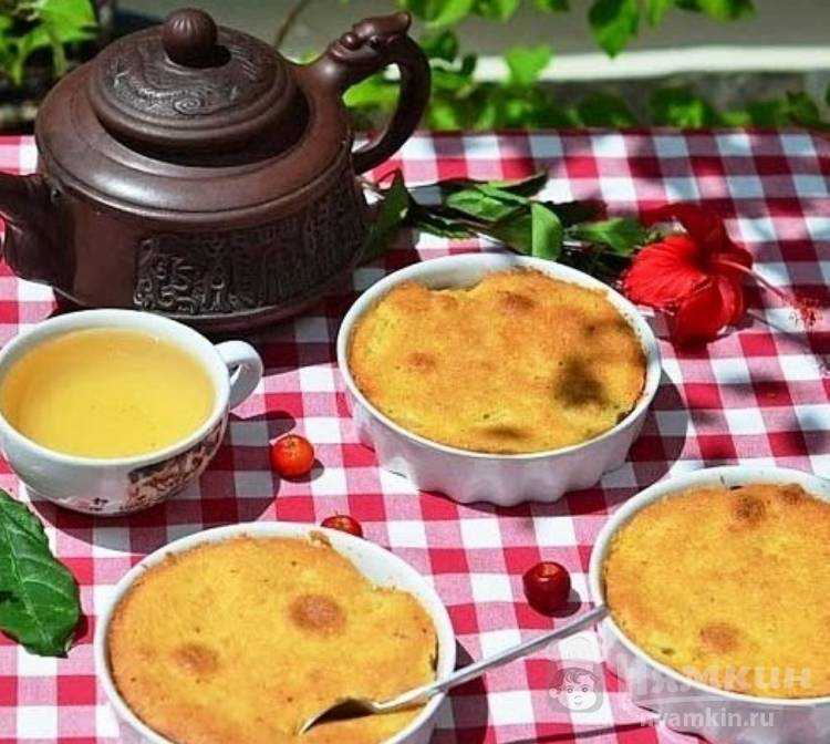 Порционный яблочный пирог по-шведски