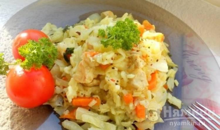 Постная капуста с рисом и овощами в мультиварке