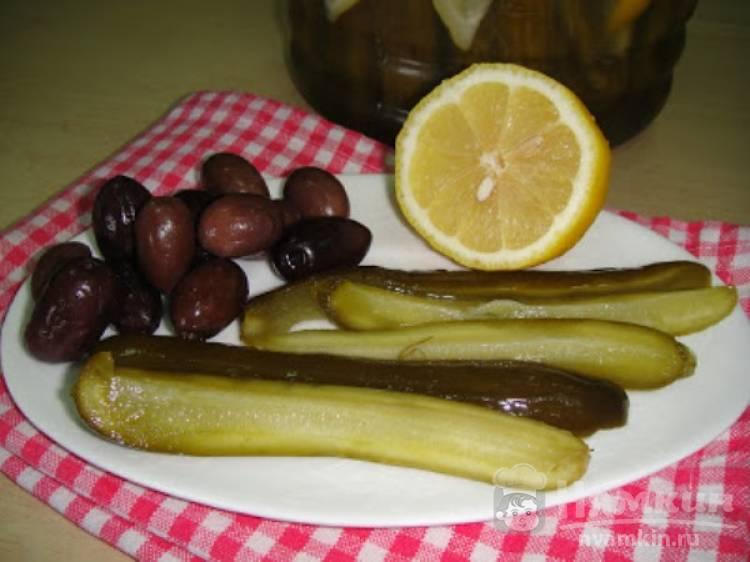 Маринованные огурцы с укропом и лимоном