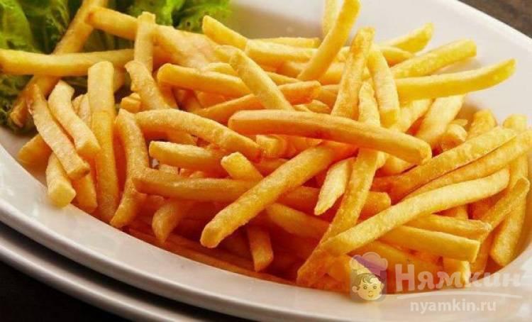 Картофель фри в кастрюле