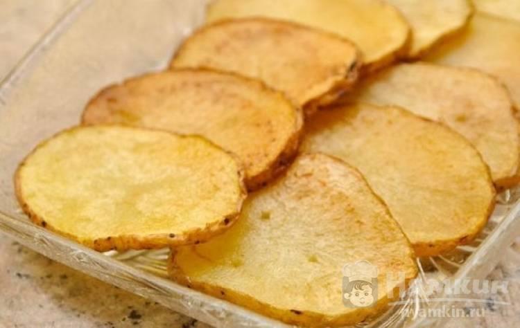 Картофельные чипсы на сковороде