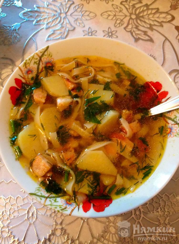 Суп лапша с колбасой