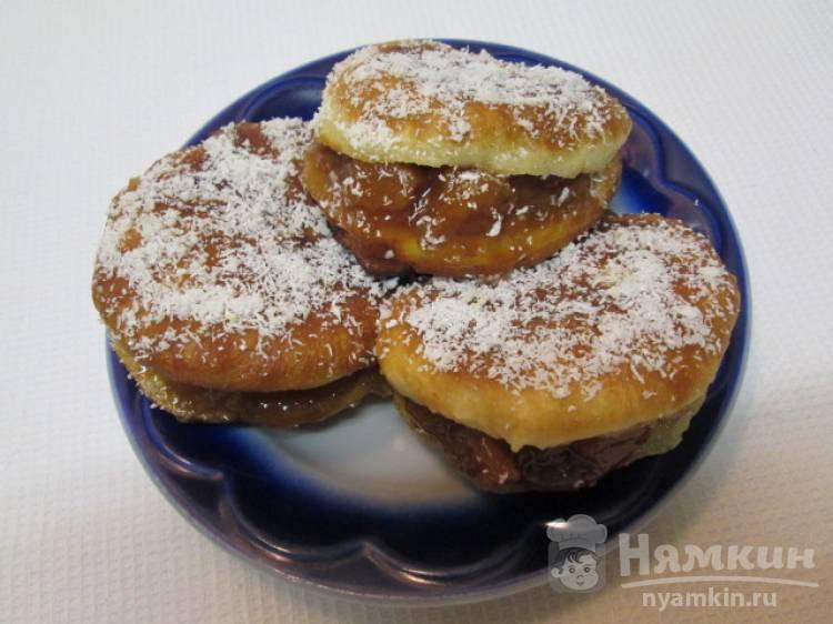 Простые хрустящие пончики с вареньем