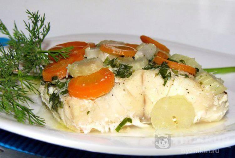 Палтус в духовке с овощами