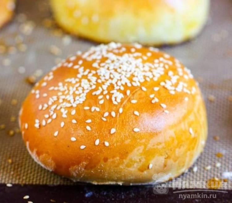 Домашние булочки для гамбургеров с кунжутом