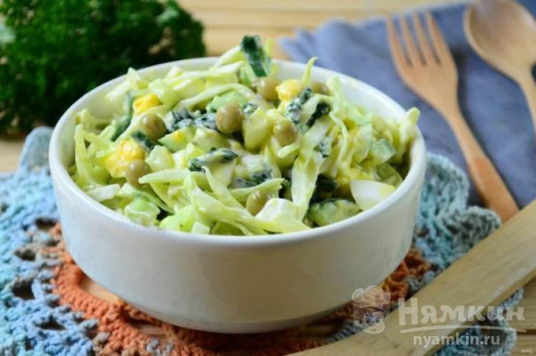 Легкий салат из крапивы