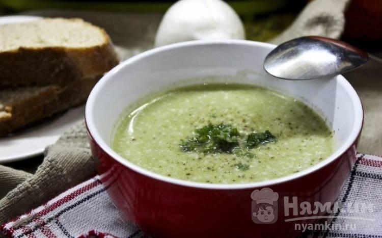 Диетический крем-суп из брокколи со сливками