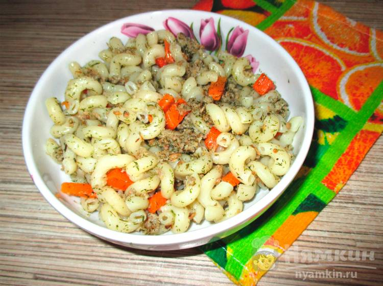 Макароны спиральки с мясным фаршем и морковью