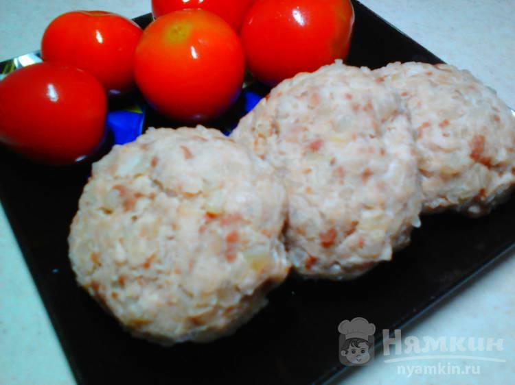Котлеты из мяса индейки с картофелем на пару