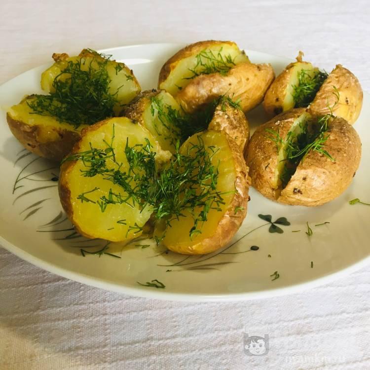 Картошка в мундире запечённая в духовке