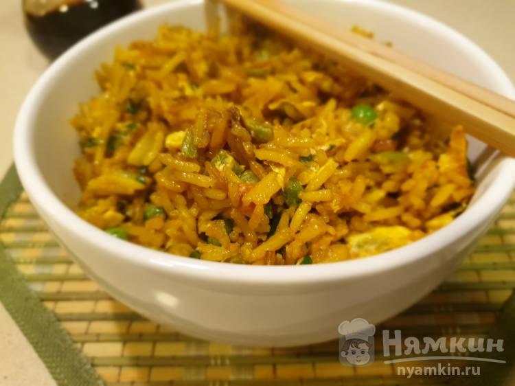 Жареный китайский рис с овощами