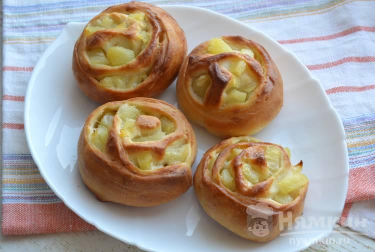 Булочки с консервированными ананасами