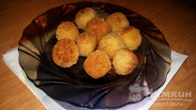Творожные шарики в панировочных сухарях