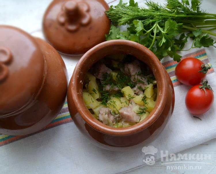 Картофель с мясом запеченный в горшочках