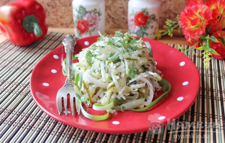 Салат из редьки и солёных огурцов