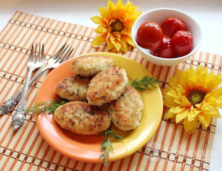 Куриные котлеты с укропом и сливочным маслом