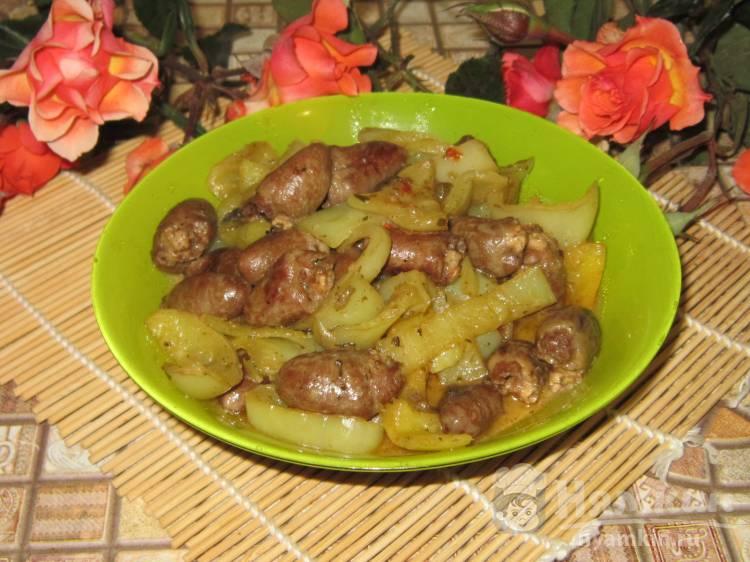 Куриные сердечки тушеные с болгарским перцем в соевом соусе