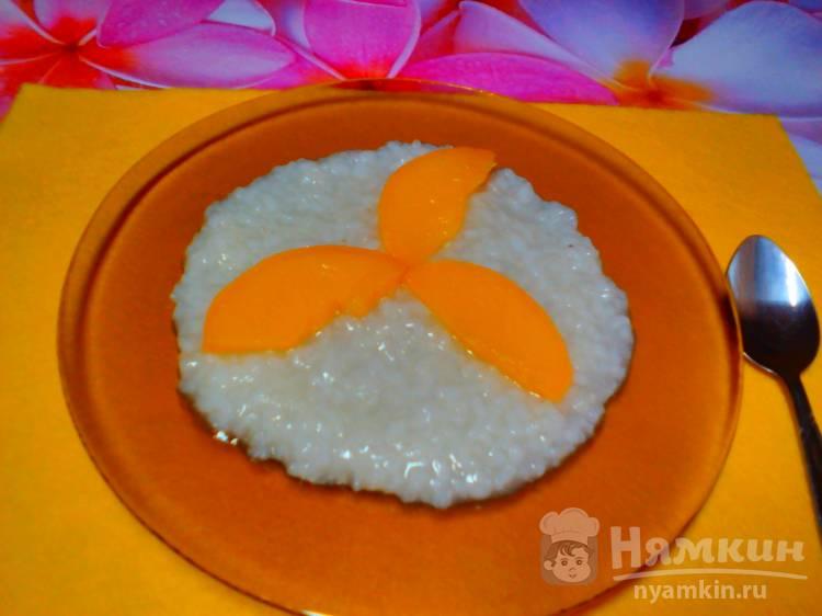 Каша рисовая на воде с персиками в мультиварке