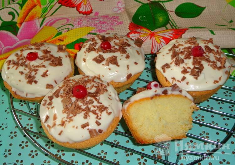 Кокосовые кексы со сметанным кремом