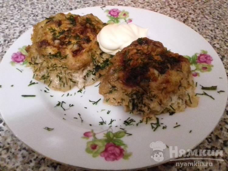 Тефтели с рисом и яйцом под соевой заливкой