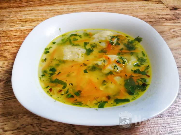 Лёгкий суп с галушками