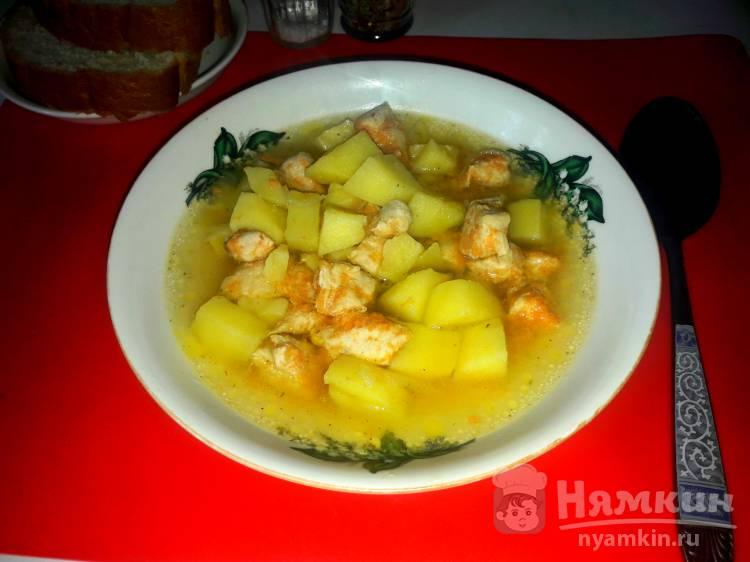 Картофельный суп с куриным филе в мультиварке