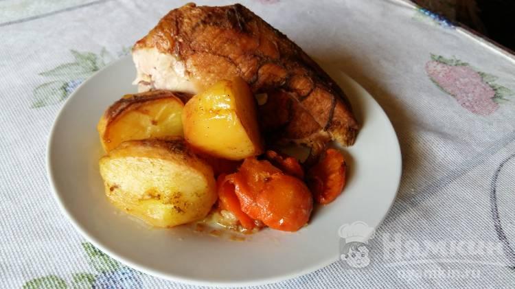 Запеченная курица с картофелем и морковью