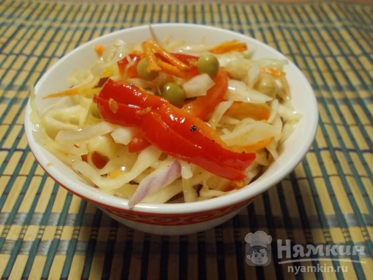 Салат из свежей капусты и овощей