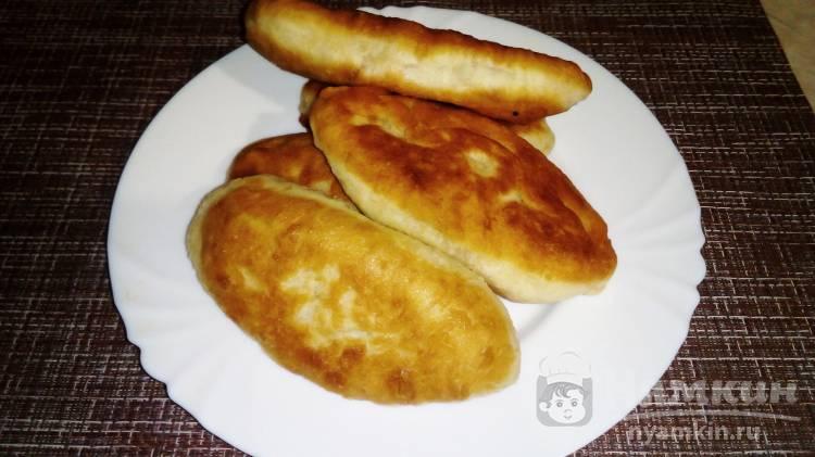 Дрожжевые пирожки на сковороде с вареной сгущенкой
