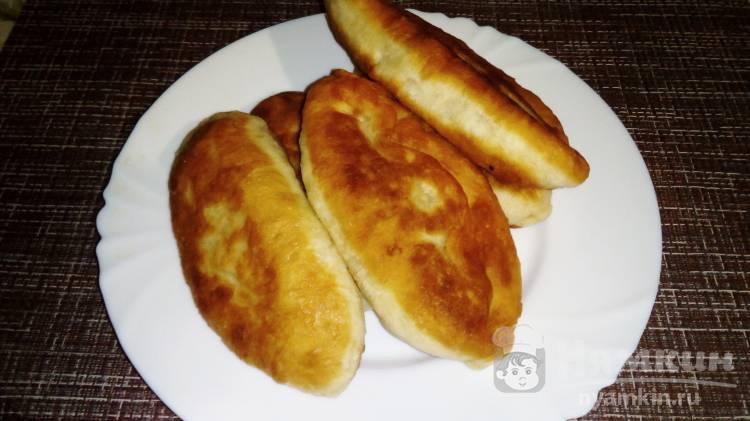 Дрожжевые пирожки с яблочным пюре на скорую руку
