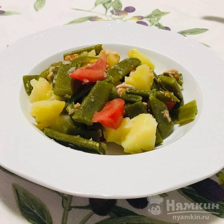 Салат из стручковой фасоли с помидорами и тунцом