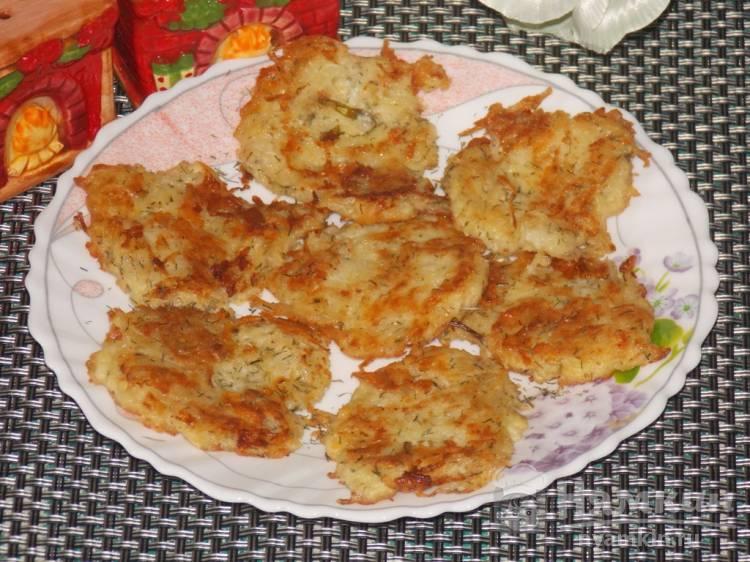 Картофельные драники с сыром на сковороде