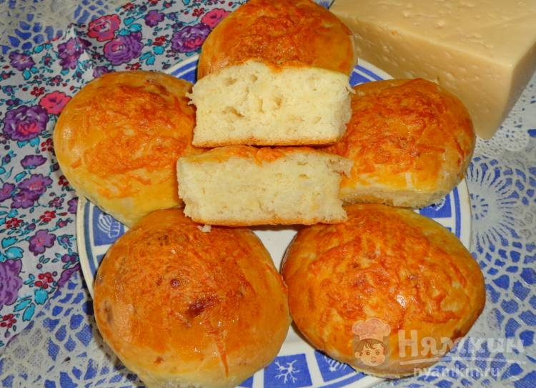 Сырные булочки на дрожжах