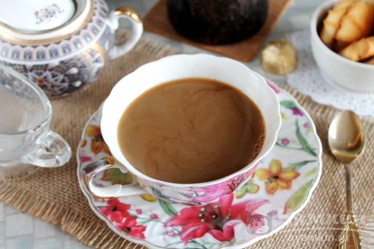 Кофе с корицей и молоком в турке