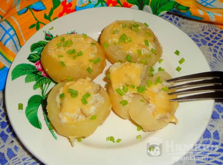 Картофель фаршированный рыбой
