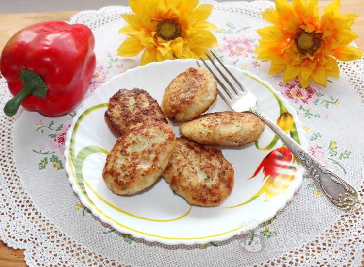 Мясные котлеты с картофелем и укропом