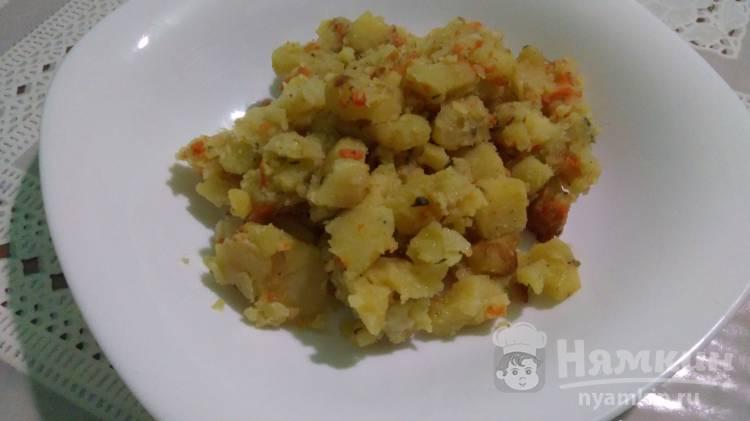Картошка тушеная с овощами в духовке