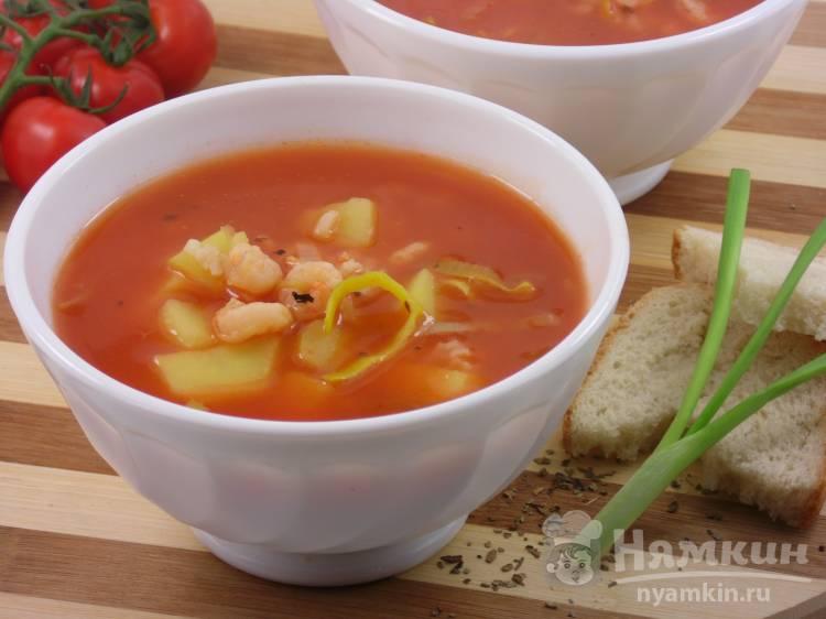 Томатный суп с рисом и креветками