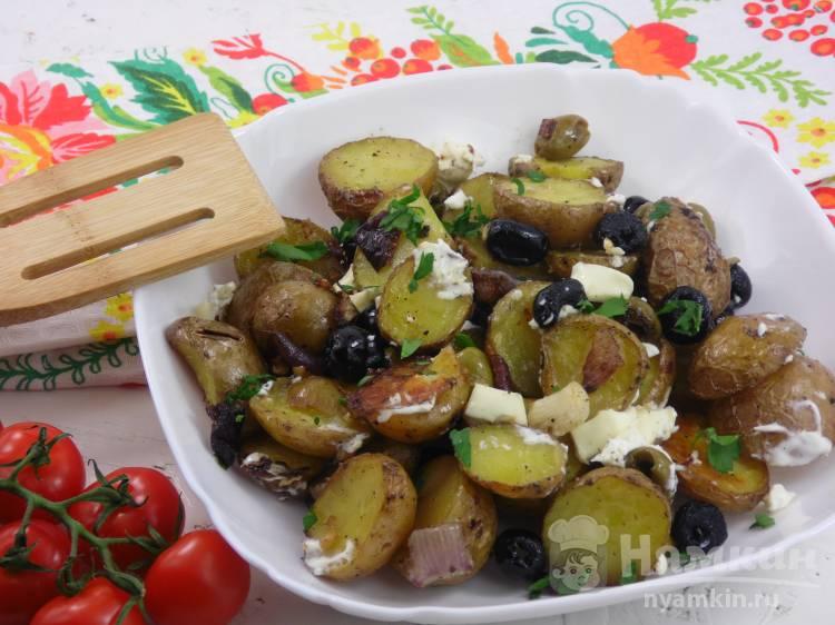 Картофель, запеченный с оливками и маслинами