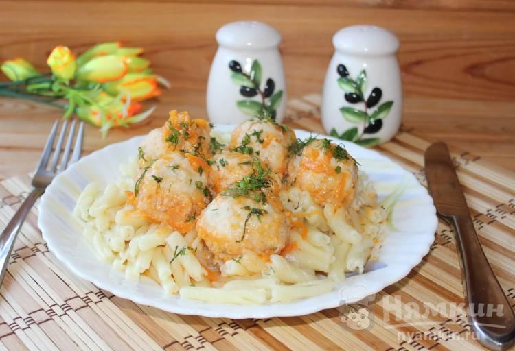 Фрикадельки в соусе с макаронами