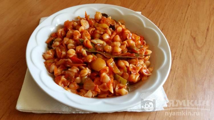Мелкие ракушки в томатном соусе