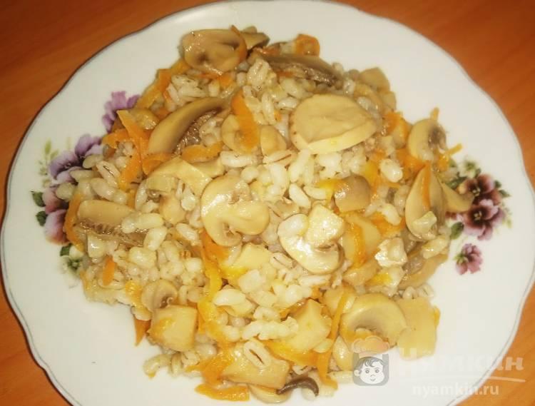 Перловка на бульоне с грибами в духовке