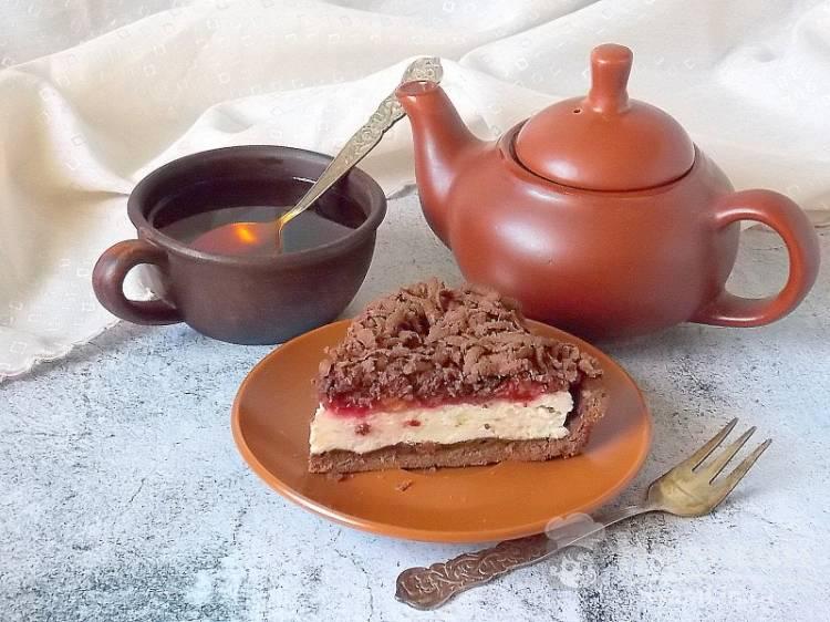 Шоколадный вишневый пирог
