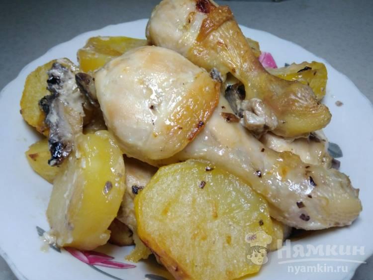 Куриные голени с картошкой и грибами в духовке