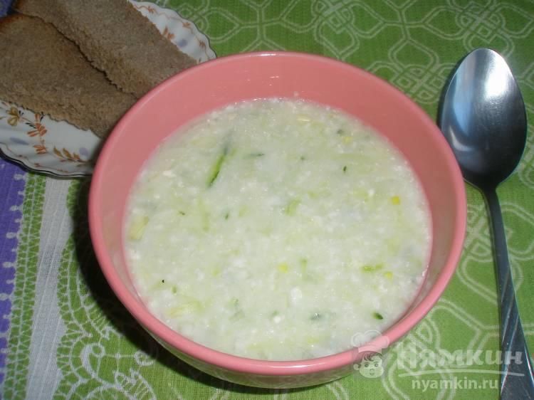 Холодный суп из зеленой редьки, огурца и хрена
