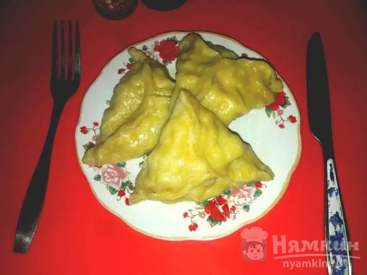 Манты из рубленого мяса курицы и картофеля