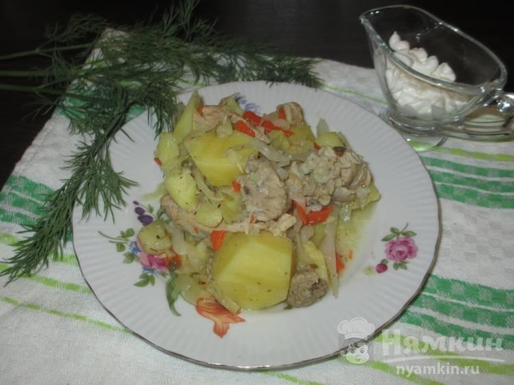 Соус с картофелем, капустой и свининой