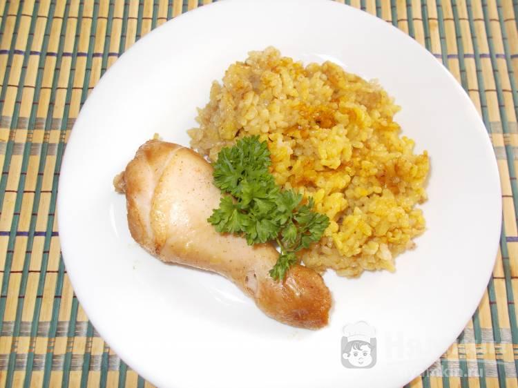 Пряная куриная голень с рисом карри в духовке